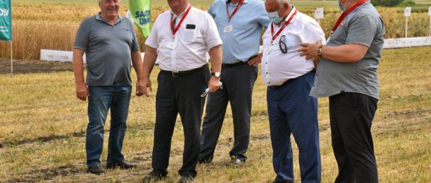 В селе Отскочное Хлевенского района состоялся полевой семинар
